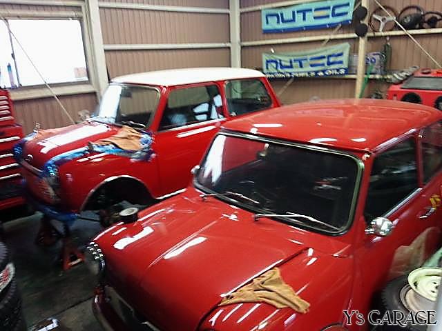 赤い車たちとスタッドレスたち01